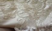 بالصور.. صدمة عروس لبشاعة فستانها