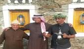 """الأديب """" علي مغاوي """" يزور قصر مالك الشعبي برجال ألمع"""