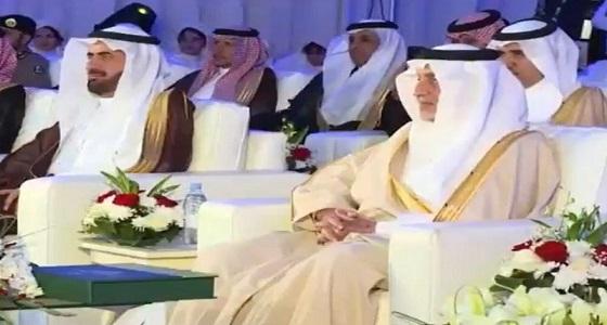 بالفيديو.. الأمير خالد الفيصل يتفاعل مع طفلة خلال حفل ...