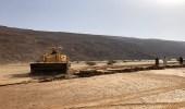 بلدية تمير تقف على تشققات أرضية تمتد لـ200 متر