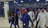 بالصور.. الوليد بن طلال في استاد جامعة الملك سعود