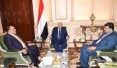 الرئيس اليمني يوجه بوقف التصرف بأراضي وعقارات الدولة في المحافظات المحررة