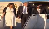 """بالفيديو.. زوجة """" ترامب """" تحرجه وترفض الإمساك بيده"""