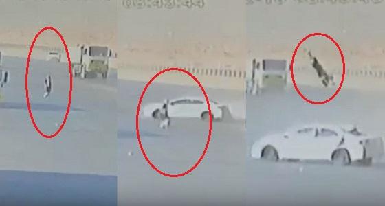 بالفيديو.. القبض على قائد سيارة هارب دهس مواطنًا في الرياض