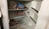 بالصور.. ضبط منزل شعبي يحضر الأطعمة في بيئة غير صحية