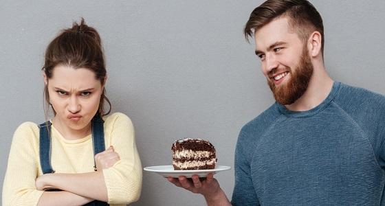 استطلاع رأي يكشف سبب زيادة وزن بعض السيدات بعد الزواج