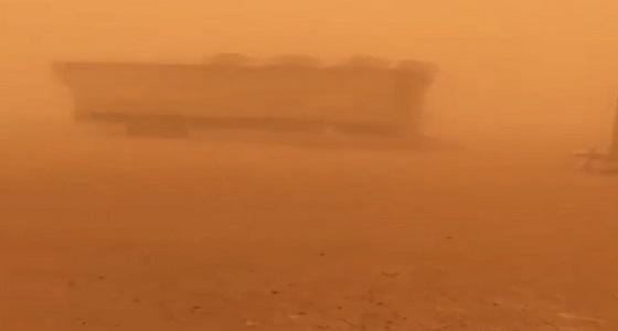 بالفيديو.. موجة من الغبار والطقس السيئ تجتاح الكويت