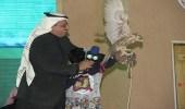 """الاطفال يشاركون في """" مناداة """" الصقور في جناح الشمالية"""