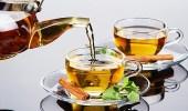 5 مشروبات تحسن عملية الهضم