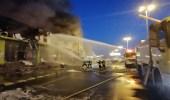 بالفيديو.. حريق بمحلات موبيليا في عسير