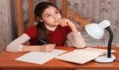 خطوات بسيطة تساعد طفلك على الاستذكار في فترة الامتحانات