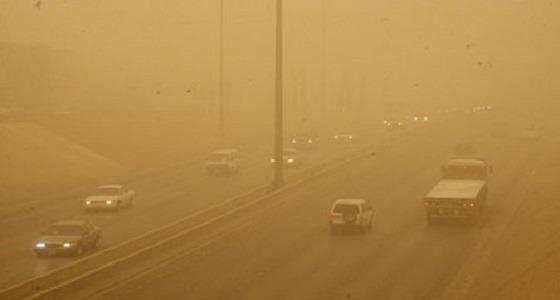 استمرار موجة الغبار على مناطق المملكة مع انخفاض في درجات الحرارة