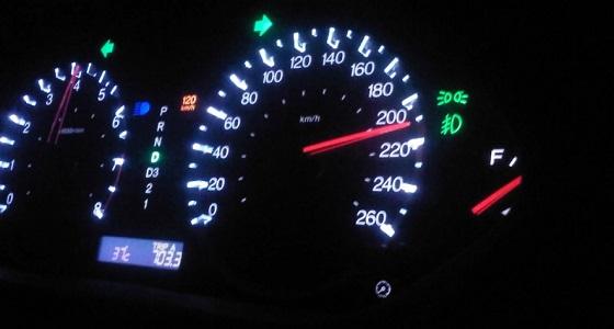 المرور: الاصطدام بسرعة 120ك/م يعادل السقوط من الدور الـ15
