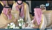 بالفيديو.. حديث أخوي باسم بين خادم الحرمين وملك البحرين خلال مهرجان الإبل