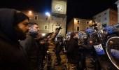 بالصور.. اشتباكات بين الشرطة ومحتجين في إيطاليا
