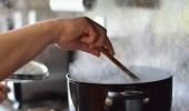 تكرار تسخين الطعام يفقده القيمة الغذائية