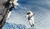 بعد 5 أشهر أمضوها في الفضاء.. عودة 3 رواد إلى الأرض