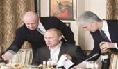 """"""" طباخ بوتين """" متهم بالتدخل في الانتخابات الأمريكية"""