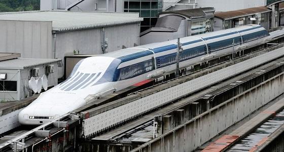 """قطار """" ينبح """" لتحذير الكلاب العابرة لقضبان السكك الحديد"""