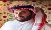 بالصورة.. تركي آل الشيخ مع أخويه في طفولتهم
