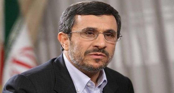 نجاد يطالب بإجراء انتخابات رئاسية مبكرة بإيران