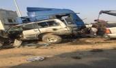 مصرع شخص وإصابة 4 آخرون في حادث تصادم مركبتين بالقنفذة