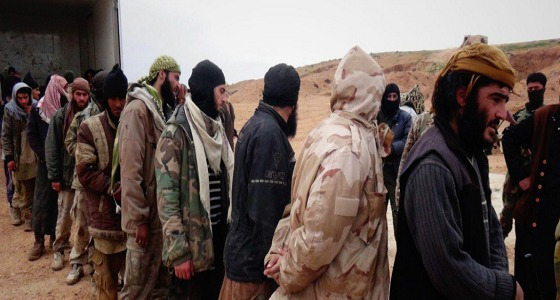 """بالفيديو والصور.. 250 داعشيا يسلمون أنفسهم لـ """" دحر الغزاة """" في سوريا"""