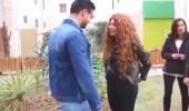بالفيديو.. رد فعل صادم لشاب طلبت منه فتاة الزواج أمام أصدقائه