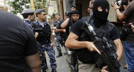 وقف ضابط لبناني يتحرش بأحد رتباء مكتبه