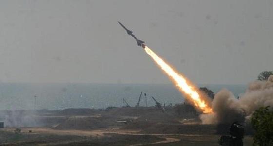 التحالف العربي يعترض صاروخا حوثيا بتعز