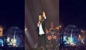 بالفيديو.. تفاعل الجمهور مع تامر حسني في أولى حفلاته بجدة