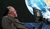 قبل وفاته بأسابيع.. ستيفن هوكينج يتوقع نهاية العالم