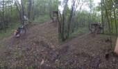 بالفيديو.. سقوط مروع لشاب حاول استعراض مهاراته في قيادة دراجة