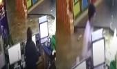 بالفيديو.. انفجار ثلاجة يثير الذعر بمقهى للإنترنت