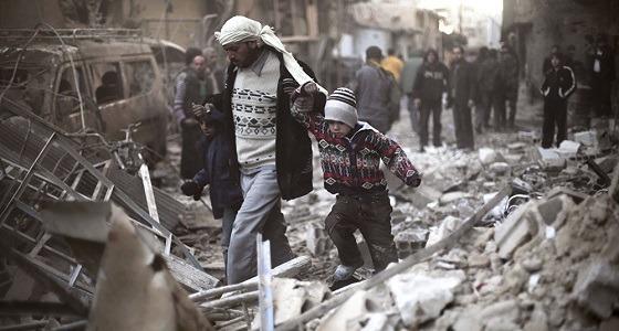 للمرة الثالثة.. قوات الأسد تقصف الغوطة بالغاز السام وإصابة العشرات