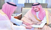 بالصور.. الأمير فيصل بن بندر يستقبل وزير الإسكان ومسؤولي الوزارة