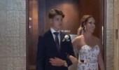 بالفيديو.. عروس تغني لعريسها بطريقة الصم والبكم