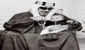صورة نادرة للملك سعود مع حفيده عبد العزيز بلندن