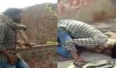 بالفيديو.. ثعبان ضخم يخنق مدربه أمام الجمهور