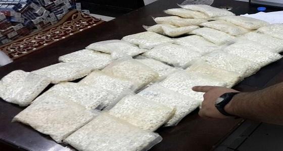 القبض على شخصين لاستقبالهما كميات كبيرة من الحبوب المخدرة بالطائف