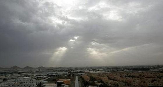 الأرصاد: سماء غائمة جزئيًا في بعض مناطق المملكة غدًا