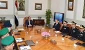 الرئيس المصري يجتمع بقادة الجيش والشرطة قبل أيام من الانتخابات الرئاسية