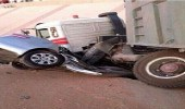 """مختصون يصفون الشاحنات بـ """" حافلات الموت """" ويطالبون بالتدخل"""