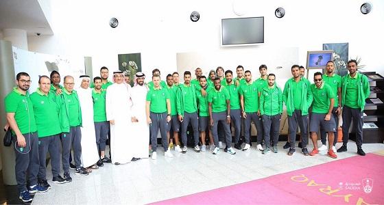 بالصور.. مغادرة بعثة الفريق الأول للنادي الأهلي لكرة القدم