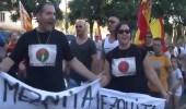 بالفيديو.. احتجاجات معادية للإسلام بلافتات مسيئة في برشلونة