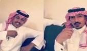 بالفيديو.. مواطن يطالب عملاء بنك بإرجاع مبلغ سحبوه بالخطأ