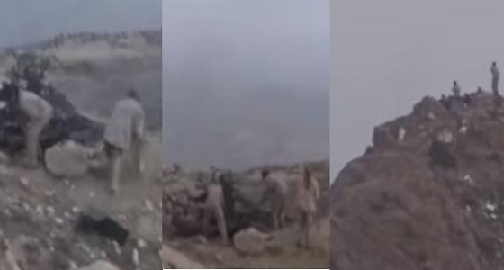 بالفيديو.. لحظات تحرير الجيش اليمني لجبال الأزهور برازح