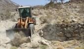 بالصور.. بلدية بارق تستعيد 15 ألف متر مربع من الأراضي الحكومية