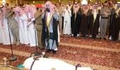 """قائد حرس الحدود بجازان يؤدي صلاة الميت على الشهيد """" الشافعي """""""