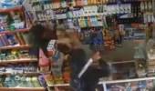 بالفيديو.. اعتداء لصين على بائع بالسيوف بطريقة وحشية
